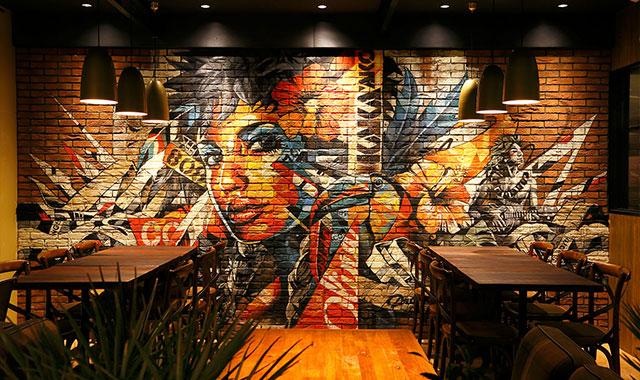 アートとグルメの融合、カカアコ ダイニング&カフェのアイキャッチ画像