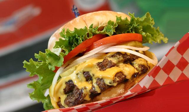 ハワイのベストバーガーに選ばれ続けるテディーズ・ビガー・バーガーのアイキャッチ画像