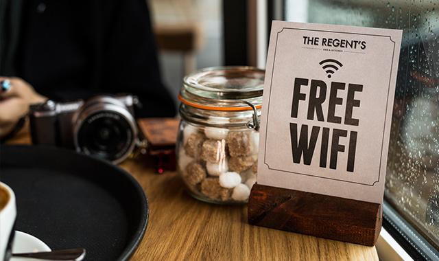 知っていれば安心、ハワイで役立つ無料Wi-Fiスポット52選のアイキャッチ画像