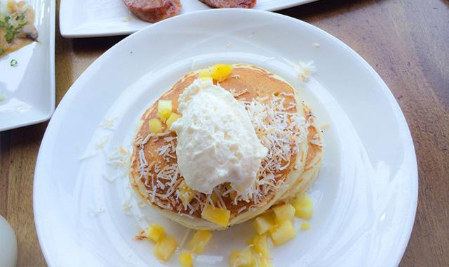 海の見えるレストランで贅沢な朝食、フラ・グリル・ワイキキのアイキャッチ画像
