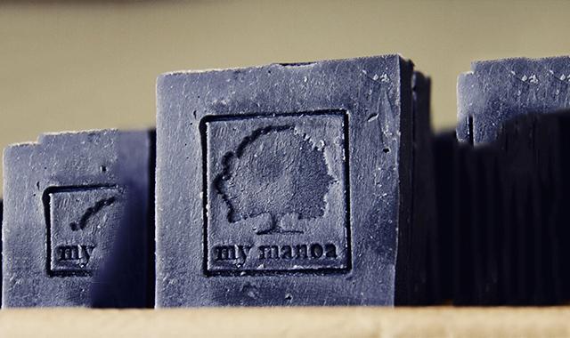 デトックス効果があるオーガニックの炭せっけん、マイマノアのアイキャッチ画像