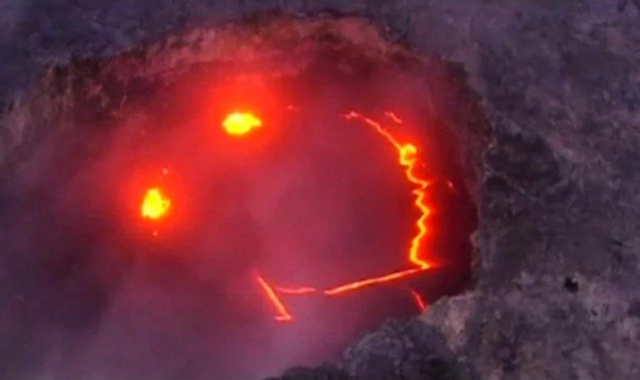 微笑みを見せるキラウエア火山、溶岩流が太平洋に到達のアイキャッチ画像