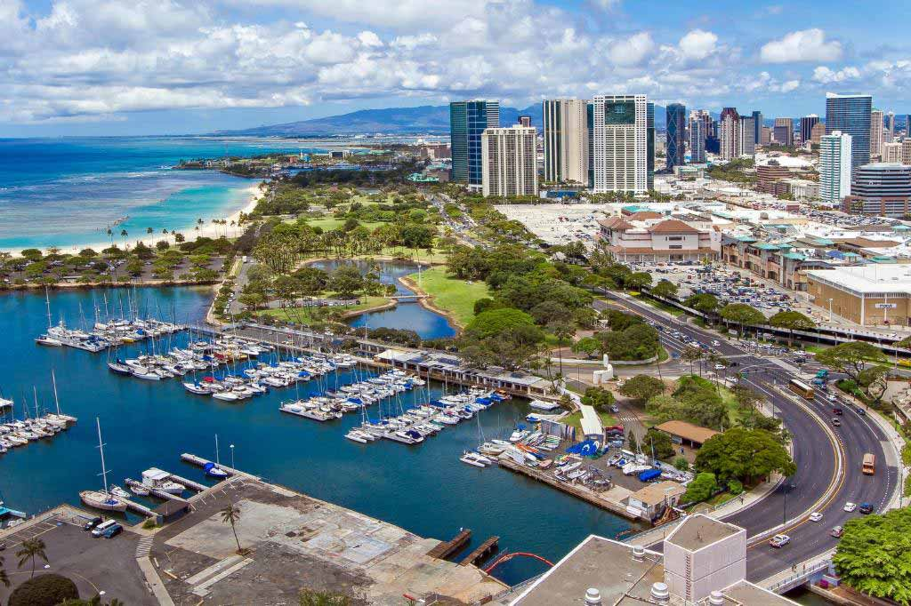 marina-tower-waikiki