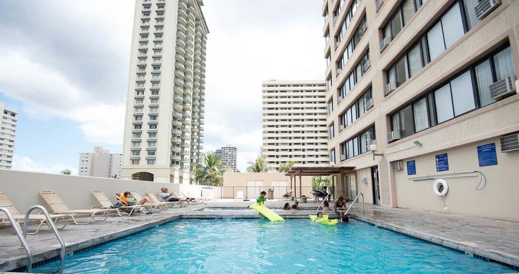 pool-v2207138