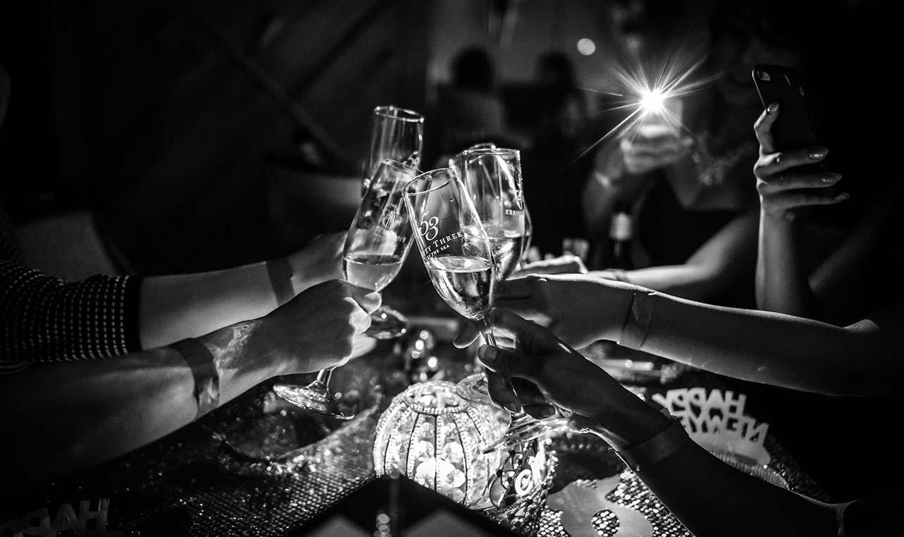 53バイザシーでカウントダウンパーティ、華麗なるギャツビーの世界を再現のアイキャッチ画像