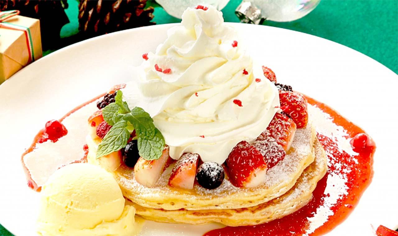 クアアイナ、5種ベリーとホイップのクリスマス限定パンケーキを販売のアイキャッチ画像
